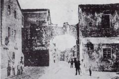 Cascina-1885-Porta-Pisana-Successivamente-demolita-unitamente-al-fabbricato-a-dx-per-consentire-il-passaggio-del-Tramme