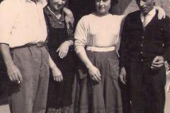 Mi-piace-ricordarli-così-i-nonni-Francesco-la-nonna-Isabella-il-mio-papà-Agostino-non-ci-sono-piùla-mamma-Fernanda-è-con-noivi-voglio-bene