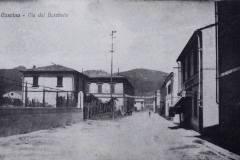 oggi-via-Miichelangelo-Buonarroti-.-A-sx-in-primo-piano-il-muro-di-cinta-della-Scuola-dArte.