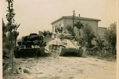 IL-CARRO-DAVANTI-IL-PESO-PUBBLICO-1944