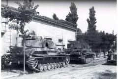 Luglio-44-due-panzer-KPFW-iv-tipo-H