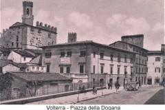 1680volterra piazza della dogana