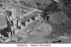 4491volterra altra immagine del teatro romano