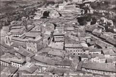 5791volterra panorama al centro la piazza dei priori