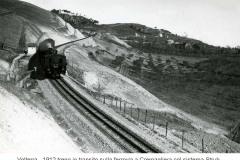 9667volterra -1912 treno in transito sulla ferrovia a cremagliera saline-volterra costruita con sistema strub
