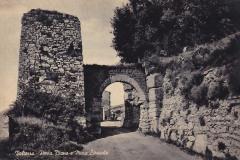 9987volterra porta diana e mura etrusche